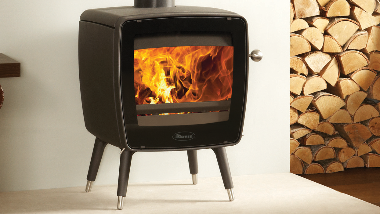 Dovre Vintage 35 features in snug living room on DIY SOS: The Big Build